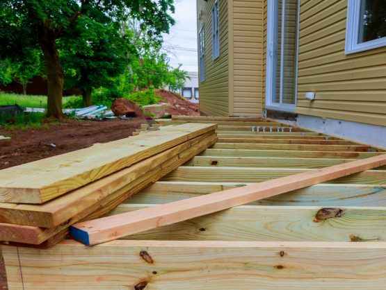 building a wood deck Fayetteville ar
